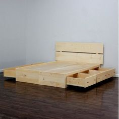 Gothic Furniture Captains Storage Platform Bed Size: Full, Finish: Colonial Maple