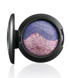 The MAC Mineralize Eye Shadow Duo in Pink Union from the MAC Chen Man collection