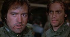 """Powers Boothe et Keith Carradine dans """"Sans retour"""" (""""Southern Comfort"""") de Walter Hill (1981)."""