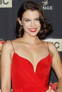 "Lauren Cohan  Born: January 7, 1982 in Philadelphia, Pennsylvania, USA  Height: 5' 7"" (1.7 m)"