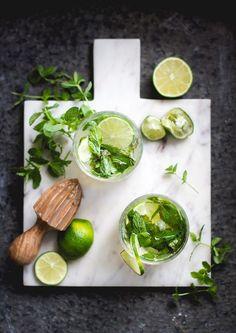 Nyårsdrink – Prosecco mojito (By diadonna) Prosecco Drinks, Cocktails, Fun Drinks, Beverages, Limoncello, Mojito, Spinach, Mint, Fresh