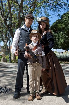 Safari Steampunk Anyone? Steampunk is a rapidly growing subculture of science fiction and fashion. Kids Steampunk Costume, Steampunk Kids, Steampunk Halloween, Steampunk Cosplay, Steampunk Wedding, Steampunk Clothing, Steampunk Fashion, Steampunk Outfits, Steampunk Gadgets