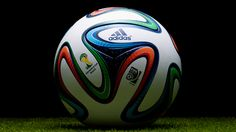 Win: adidas Brazuca Official Match Ball – FIFA WM Brasilien 2014™