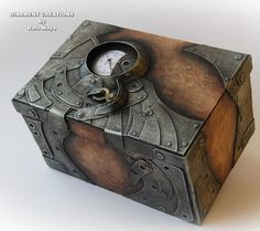 "This is a box to put drawings in for my little nephew. Have a look at the unpainted version: fav.me/d305f7t The sign on the top left corner reads: ""Cogitatio - inductus aeternus"" (Fantasy - Eternal..."