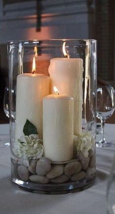 Diy Home Decor large hurricane vase with candles rocks and gardenias - centerpiece - bjl.Diy Home Decor large hurricane vase with candles rocks and gardenias - centerpiece - bjl Candle Arrangements, Floral Arrangements, Hurricane Vase, Hurricane Party, Garden Candles, Vase Fillers, Beautiful Candles, Beautiful Flowers, Deco Table