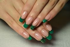 Beautiful evening nails, Business nails, Color french manicure, Dark green french manicure, Emerald french manicure, Emerald nails, Evening dress nails, Evening nails