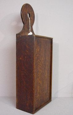 WOODEN CANDLE BOX. Hanging oak box with dovetailin : Lot 714