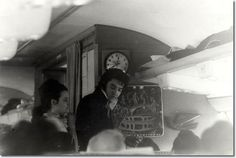 1970 11 17 Elvis Presley - sur la route de Denver pour recevoir une insigne de police -