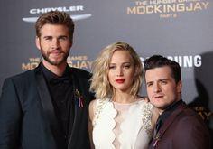 Pin for Later: Le Cast de The Hunger Games Rend Hommage aux Victimes des Attentats de Paris à la Première de LA Josh Hutcherson, Liam Hemsworth, et Jennifer Lawrence