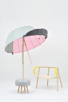 Sua abordagem de design reflete o seu amor por materiais, processos e objetos do cotidiano. Sempre prestando atenção aos detalhes – quase obsessivamente – ele tenta fazer coisas que são simples, práticas e divertidas, e ao mesmo tempo dar-lhes uma personalidade.