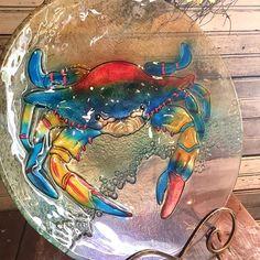 Birds are sure to make a splash in this coastal-inspired glass bird bath! Glass Bird Bath, Crab Art, Crabs, Spring Colors, Coastal Decor, Garden Art, Vivid Colors, Moose Art, Birds