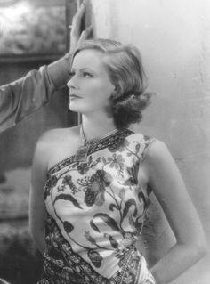 Greta Garbo Hollywood Cinema, Old Hollywood Movies, Vintage Hollywood, Hollywood Glamour, Classic Hollywood, Classic Actresses, Classic Films, Actors & Actresses, Divas