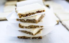 <p>Bright, beautiful lemons, creamy cashews, and a few droplets of vanilla extract are blended together and then frozen to create these delicious, raw lemon squares. </p>