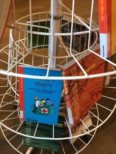 Preparando las vacaciones. En la 4ª planta de la Biblioteca encontraréis libros con información para organizar vuestras vacaciones.
