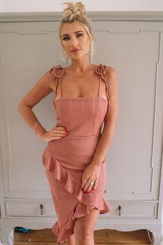 59fcd8dc64707 Die 19 besten Bilder von Kleid | Gowns, Midi dresses und Summer dresses