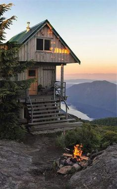 Tagged with nature, outdoors, cabin; Shared by That Cabin Life Aesthetic Cabin Homes, Log Homes, Beautiful Homes, Beautiful Places, Beautiful Dream, Amazing Places, Cabins And Cottages, Tiny Cabins, Wood Cabins