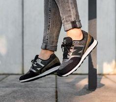 Csajok, gyönyörű New Balance 996 érkezett ezüst részletekkel és különleges textúrákkal! A 996 ráadásul az egyik legkecsesebb sziluett  Csapjatok le rá webshopunkon: http://www.pigshoes.hu/newbalance/BFWR996NOC_0035 #hotshoes #forsale #ilike #shoeslover #like4lik #shoes #niceshoes #sportshoes #hotshoes