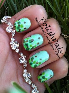 Learn how to make a gorgeous gradient dotticure! :)