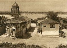 Album fascinant captat in Romania acum 82 de ani - CYD. Danube Delta, Old Photos, Gazebo, Past, Medieval, Outdoor Structures, House Design, Cabin, House Styles