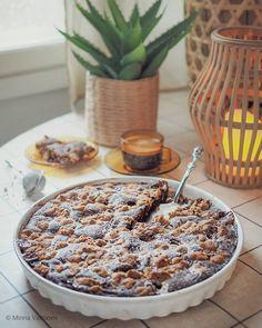 Kahden suklaan Dumle-piirakka nyt blogissa! 🥳🍫 #dumle #leivonta #kahvinkanssa #herkkuja #piirakka #suklaapiirakka #suklaakakku #suklaa #piparkakkutalonakka Cocktail Desserts, Just Eat It, Sweet Pastries, Food Inspiration, Delicious Desserts, Sweet Tooth, Sweet Treats, Bakery, Food And Drink