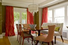 Chic dining room design. 1 of 19 projects by Graciela Rutkowsi Interiors. #interiors #design #interiordesign #decor