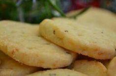 Biscotti salati rosmarino e groviera.