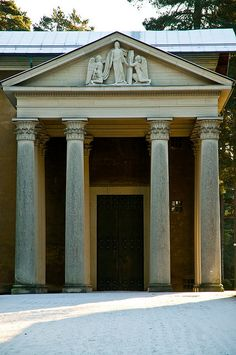 Entrance to chapel Nordic Classicism, Classical Architecture, Gazebo, Entrance, Sweet Home, Outdoor Structures, Contemporary, Outdoor Decor, Home Decor