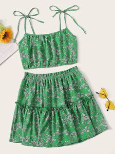 To find out about the Ditsy Floral Shirred Cami Top With Frill Skirt at SHEIN, part of our latest Two-piece Outfits ready to shop online today! Casual Skirt Outfits, Cute Outfits, Frill Skirts, Suits For Women, Clothes For Women, Two Piece Outfit, Teen Fashion Outfits, Cami Tops, Ladies Dress Design