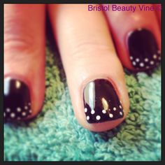 Shellac black pool with white dot French