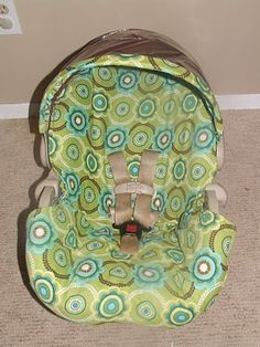 Keeping it Simple:  Carseat Redo-this is so much easier than the tutorials where you have to seam rip the whole previous carseat cover