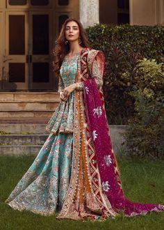 Bridal Mehndi Dresses 2020 - Pakistani Wedding Dresses for Brides Shadi Dresses, Pakistani Formal Dresses, Pakistani Dress Design, Indian Dresses, Pakistani Mehndi Dress, Pakistani Garara, Pakistani Shadi, Net Dresses, Dulhan Dress