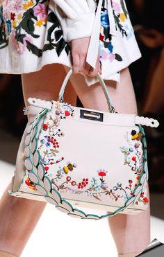Модные женские сумки 2018 года: тенденции и тренды на фото. Женские сумки осень - зима 2017 - 2018 года. Красивые женские сумки 2018 года на фото.