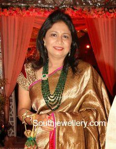 emeralds mala Indian Jewellery Design, Bead Jewellery, Indian Jewelry, Bridal Jewellery, Jewellery Designs, Jade Jewelry, Emerald Jewelry, Pearl Jewelry, Jewelery