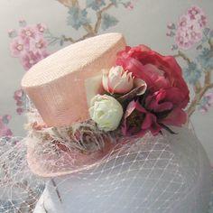 Mini Top Hat,  Dusky Pink Roses UK.. £50.00, via Etsy.