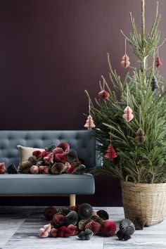 Beautiful Christmas Inspiration By Broste Copenhagen Decor Scandinavian, Scandinavian Christmas, Danish Christmas, Christmas Mood, Christmas 2016, Christmas Christmas, Christmas Wreaths, Christmas Crafts, Christmas Ornaments