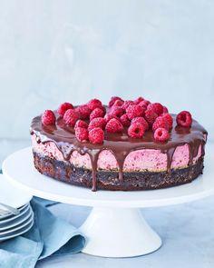 Mini Desserts, Delicious Desserts, Dessert Recipes, Vasilopita Recipe, New Years Eve Dessert, Champagne Recipe, Caramel Treats, Cookie Party Favors, New Years Cookies