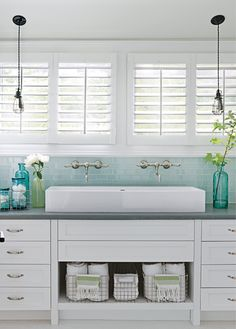 Trendy bathroom vanity drawers make up Bathroom Vanity Drawers, Bathroom Sink Units, Bathroom Windows, New Bathroom Ideas, Bathroom Design Small, Bathroom Wall Decor, Bathroom Organization, Bathroom Storage, Bathroom Styling