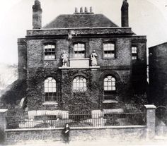 Old Bluecoat School (Dean Stanhope), Deptford High St - Lewisham Borough Photos Old London, East London, Victorian Photography, Bethnal Green, London History, London Pictures, Blue Coats, Historical Photos, Family History