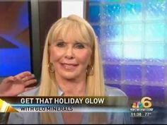 glo minerals Makeup Artist Kate McCarthy on NBC Miami. Nathalie Pozo interviews Kate as she walks through three beautiful looks glo minerals looks. She showcases makeup for mature and hyperpigmented skin and a beautiful holiday look.