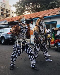 "Dakar: when a man becomes a lion ""simb""  w/ @codsolivia #senegal"