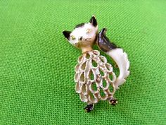 Vintage+Mamselle+Cat+Brooch+Item+1108+by+LaylaBaylaJewelry+on+Etsy