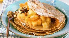 Bei diesem Frühstück geht die Sonne auf : Sesampfannkuchen mit Quittenfüllung | http://eatsmarter.de/rezepte/sesampfannkuchen-mit-quittenfuellung