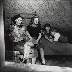 Edith Tudor-Hart: the Soviet spy with a conscience - Telegraph Photos Du, Old Photos, Vintage Photos, Vintage London, Old London, Women In History, Family History, Tudor, Dr Marcus