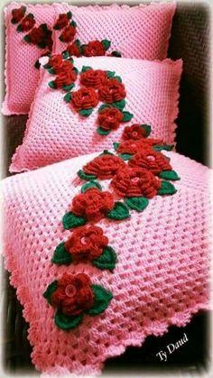 Crochet afghan pictures baby blankets Ideas for 2019 Crochet Hexagon Blanket, Crochet Pillow Pattern, Crochet Basket Pattern, Crochet Motif, Crochet Designs, Crochet Stitches, Crochet Patterns, Pattern Flower, Crochet Pillow Cases