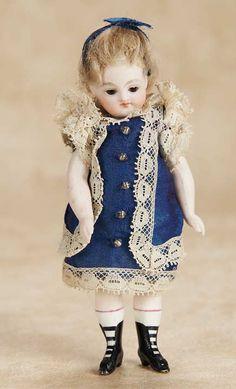 De Kleine Wereld Museum of Lier: 19 French All-Bisque Mignonette in Original Costume