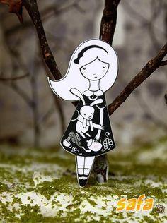 Lady Desidia papercuts