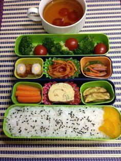 Twitter from @Akirago1105 お弁当〜 今日のお弁当は生野菜たっぷりのヘルシー弁当。#obentu #obentoart