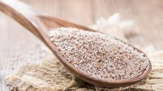 For most people, they first heard of psyllium from a 2004 Kellogg's breakfast cereal starred by William Shatner. A recent Metamucil TV commercial re-sparked an … Psyllium Husk for High Cholesterol and Heart Disease Read Psyllium Husk Dosage, Psyllium Husk Benefits, Psyllium Husk Powder, Smoothies, Smoothie Recipes, Psyllium Blond, Sources Of Soluble Fiber, Fiber Sources, Cold And Cough Remedies