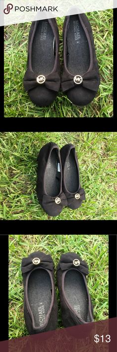 Michael Kors Heels size 12 Toddler Very Cute heeled girls shoes. Signs of wear. Some discoloration on side as seen on 6th pics. Some scuff, scratches on heels. But over all still in good shape. Michael Kors Shoes