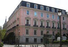 Palacio de Fontagud. C/ Barquillo c/v Plaza del Rey. Narciso Pascual Colomer,1861 para el banquero Fontagud y Gargollo. Actualmente Comisión Nacional de Competencia.